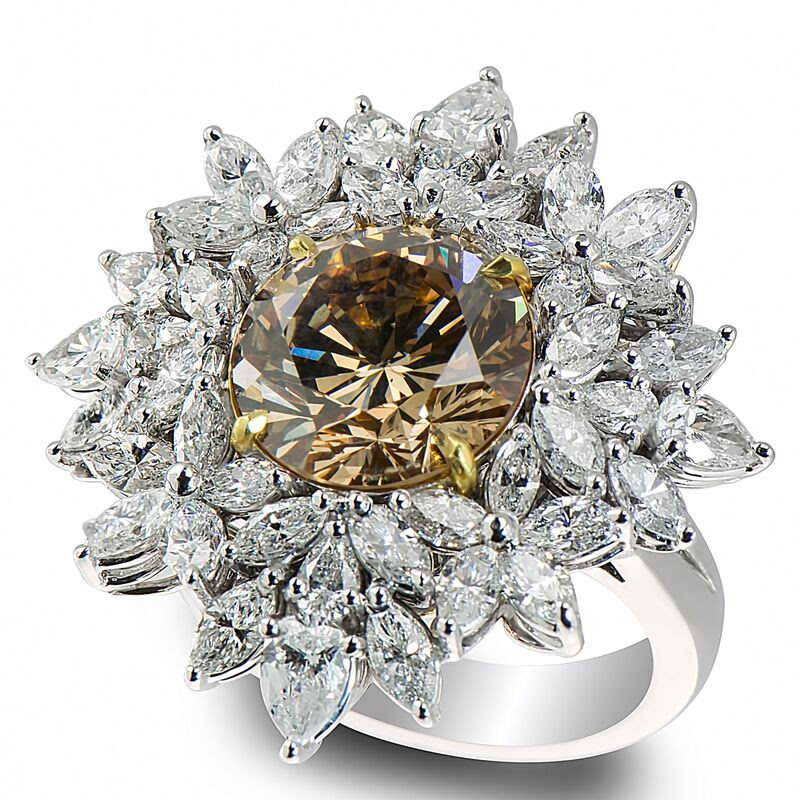 7....5.88ct_Fancy_Yellow_Brown_with_6.70ct_side_diamonds_Ring.jpg