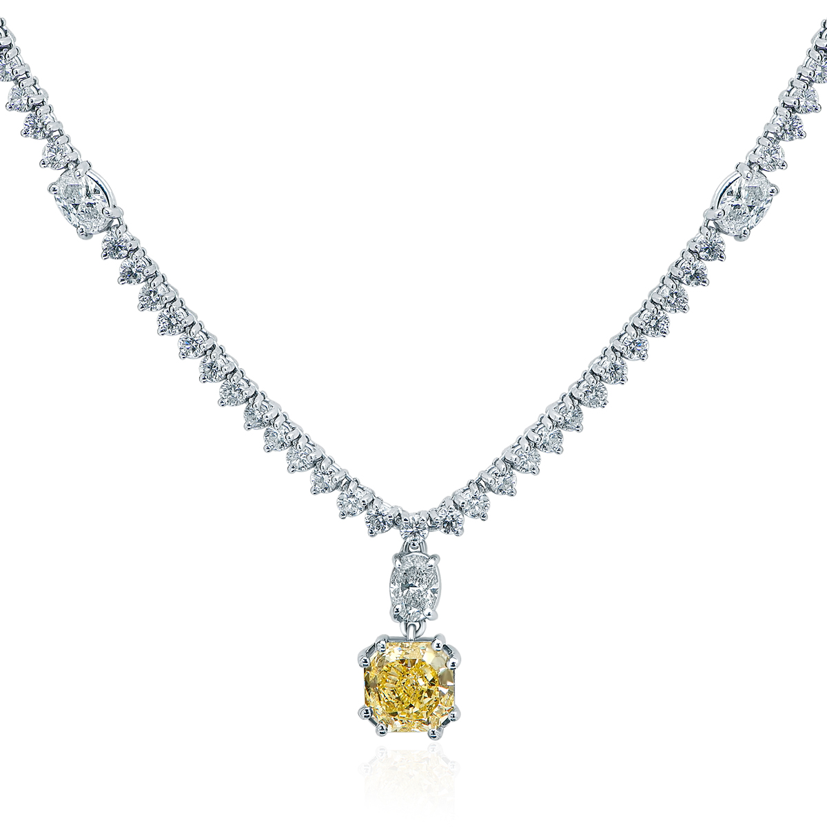 5....3.17ct_Fancy_Yellow_with__17_cts_side_diamond_Pendant.jpg